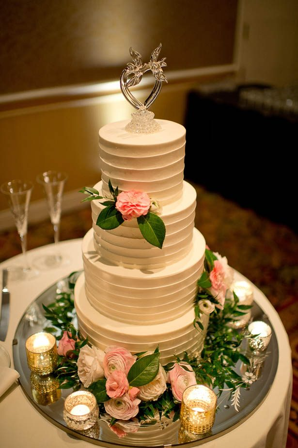 Classic White Wedding Cake - Photography: Mosca Studio