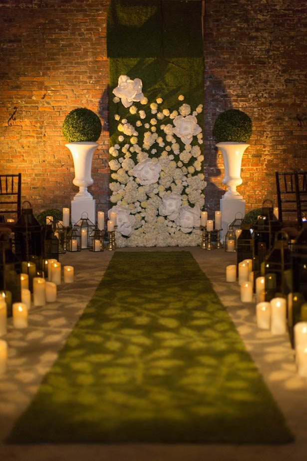 Greenery wedding ceremony ideas - Emily Leis Photography