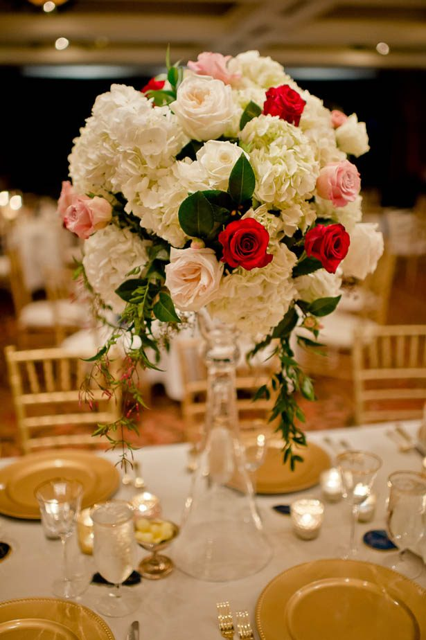 Tall wedding centerpiece - Photography: Mosca Studio