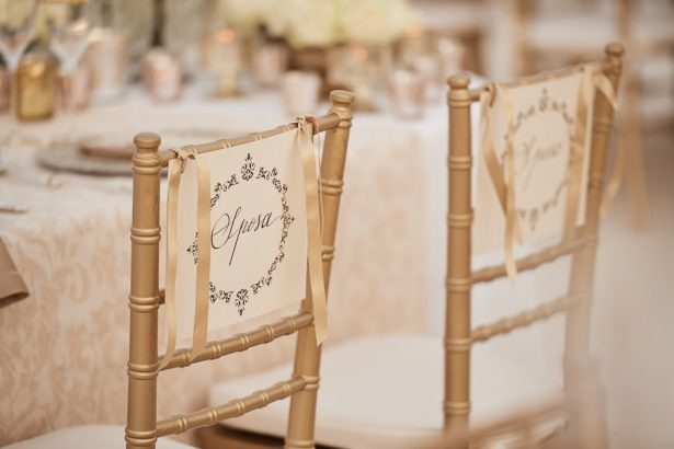 Wedding chair signs - Photography: Studio Bonon