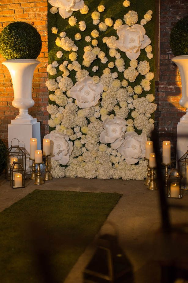 Wedding floral wall - Emily Leis Photography