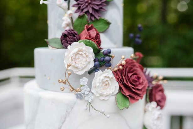 Bold and Romantic Wedding Cake - KVC Photography