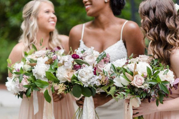 Bold and romantic wedding bouquets - KVC Photography
