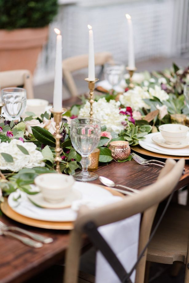 Bold and romantic wedding table decor - KVC Photography
