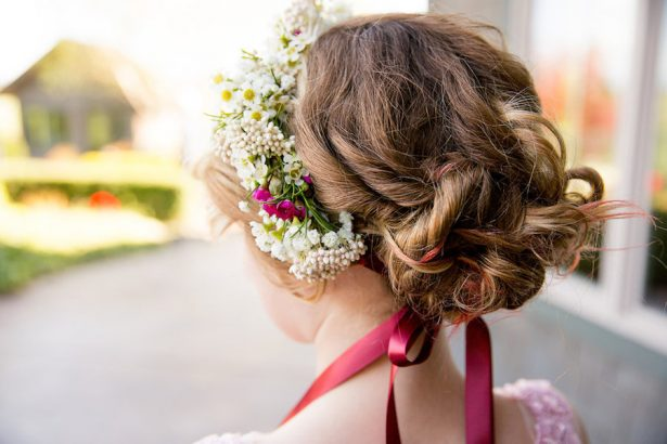 Flower girl hairstyle - Eva Rieb Photography