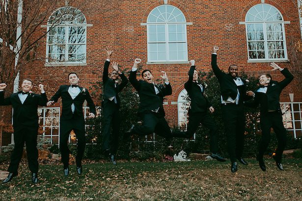 Fun Groomsman picture - Ashley Layden Photography