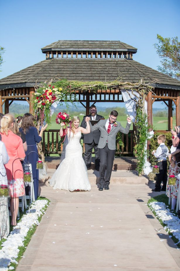 Outdoor wedding ceremony in a gazebo - Eva Rieb Photography