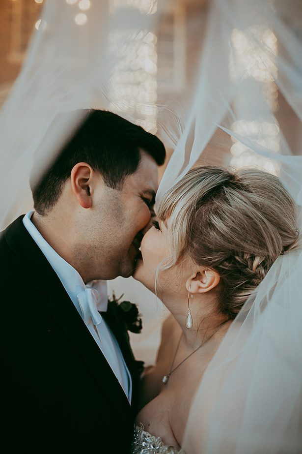 Wedding kiss - Ashley Layden Photography