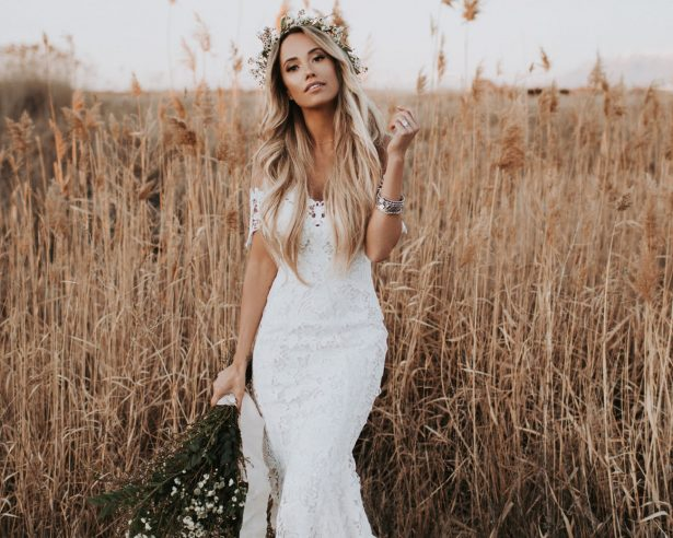 15 Rustic Wedding Dresses for the Sophisticated Bride