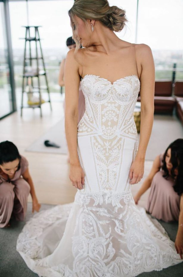 Lace Wedding dress - Photography: Prue Franzman