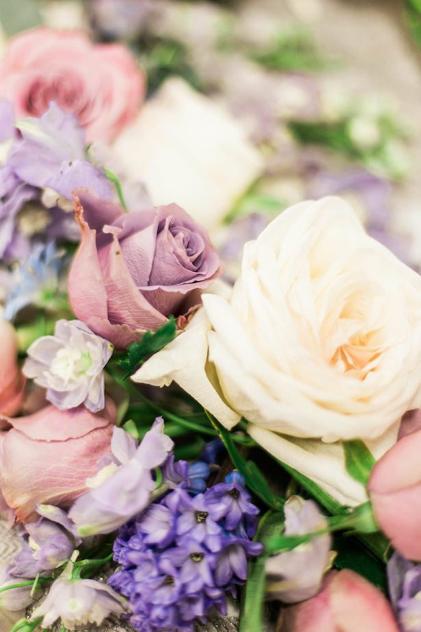 Mauve and lavender wedding flowers - Esther Funk Photography