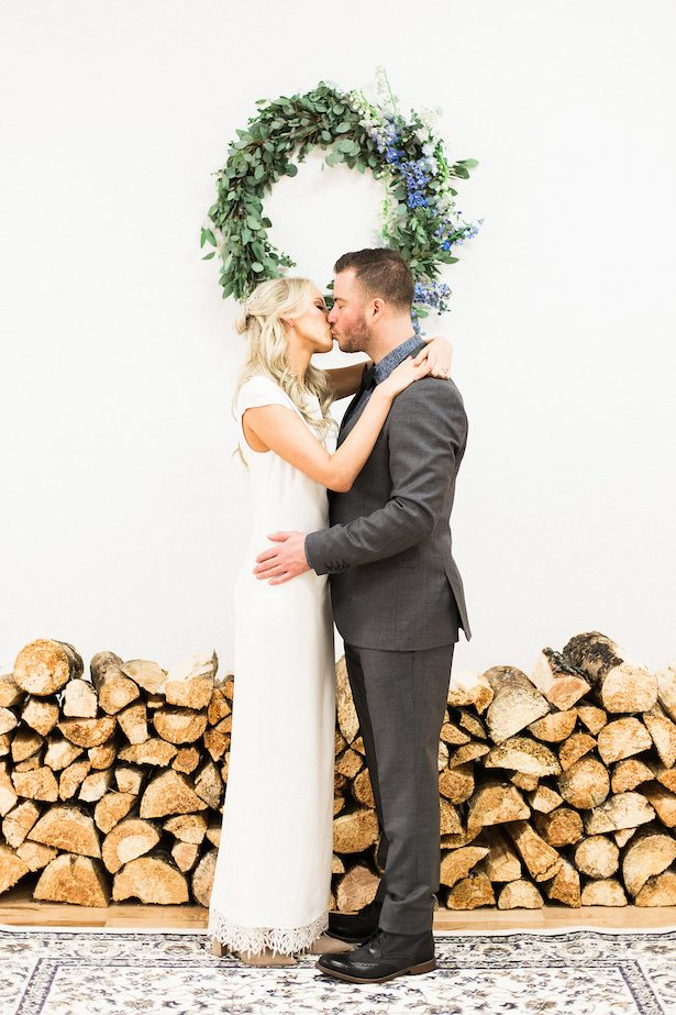 Rustic chic wedding ceremony decor - Esther Funk Photography