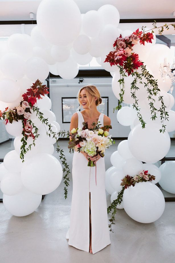 Wedding Balloon Arch - Photo: Beck Rocchi Photography
