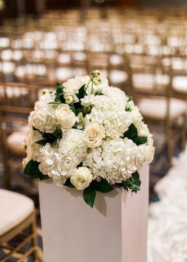 White wedding flowers- Alexandra Knight Photography