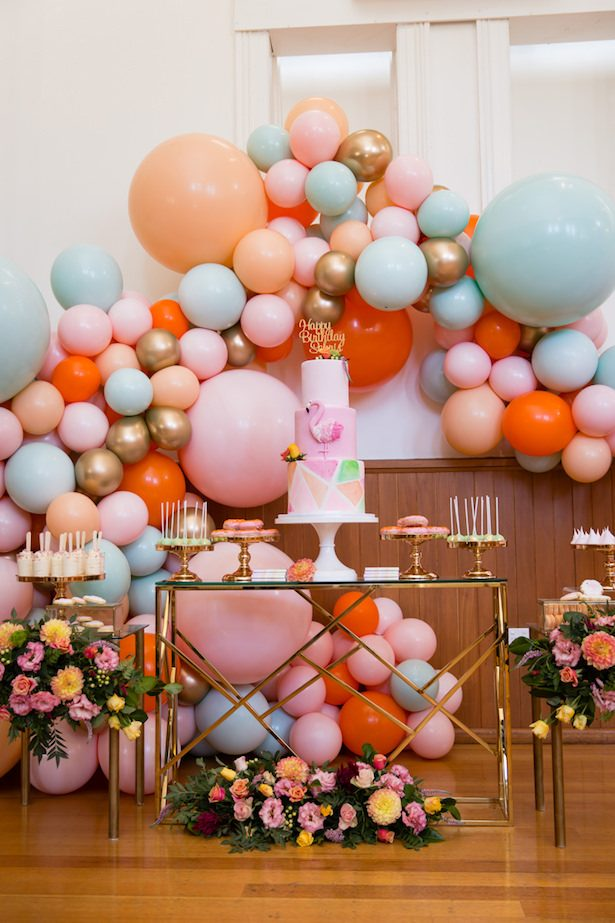 Wedding balloon backdrop - via Oh It's Perfect