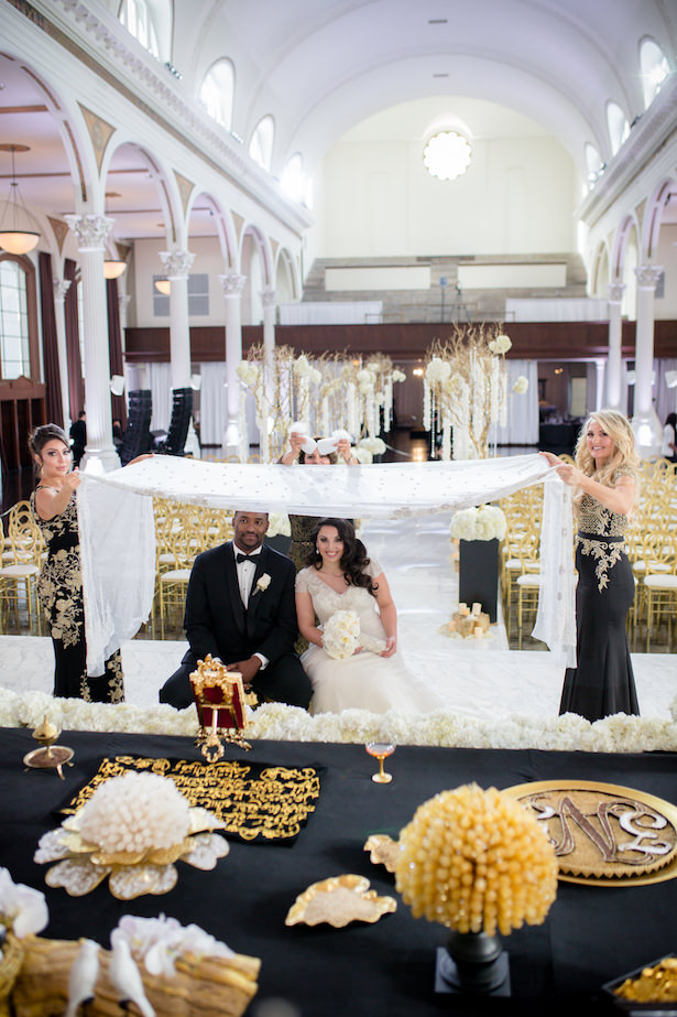 Black White and Gold Glamorous Wedding Ceremony - Photo: Hollywood Pro Weddings