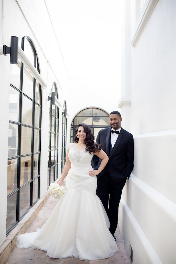 Black and White Glamorous Wedding - Photo: Hollywood Pro Weddings