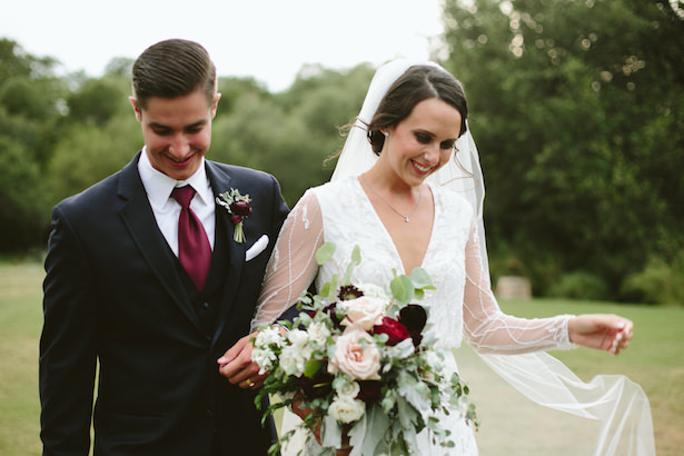 Elegant and Rustic Wedding with Burgundy Details - Photo: Elizabeth Bristol
