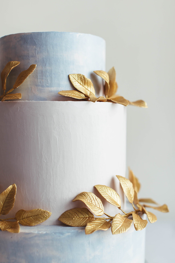 Greek meets Modern Wedding Cake
