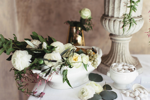 Greek meets Modern Wedding flowers- Photography: Miriam Callegari