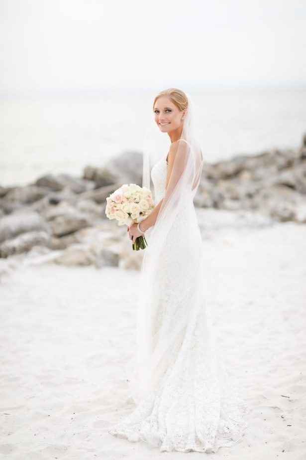 Lace wedding dress - Lifelong Photography Studio
