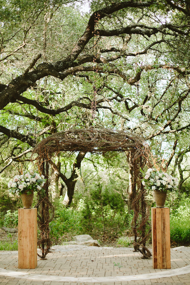 ... Outdoor Rustic Wedding Ceremony Arch   Photo: Elizabeth Bristol ...