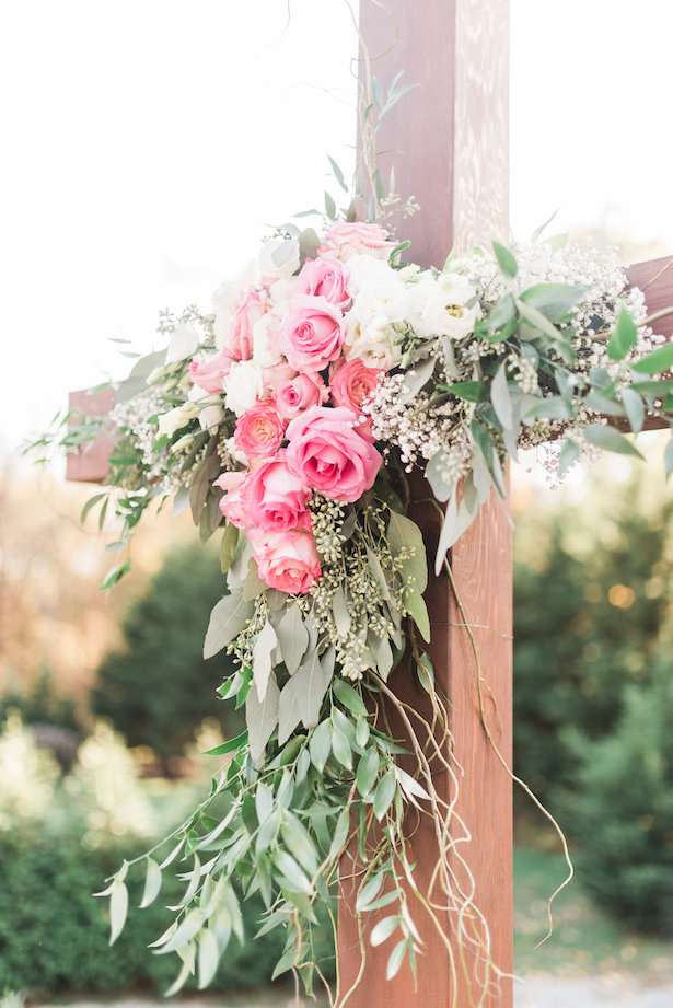 Outdoor Wedding Ceremony Flowers - Juicebeats Photography