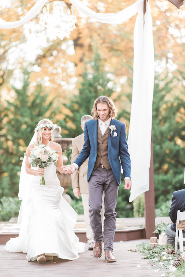 Outdoor Wedding Ceremony - Juicebeats Photography