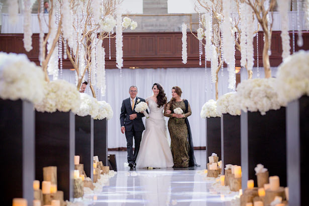 Wedding aisle - Photo: Hollywood Pro Weddings