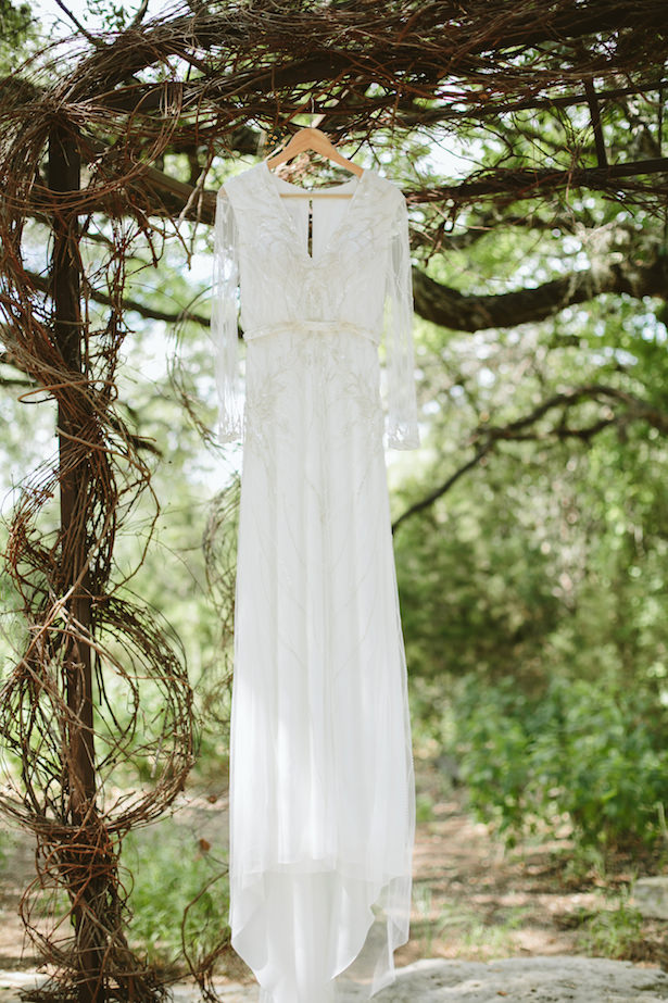 Wedding dress - Photo: Elizabeth Bristol