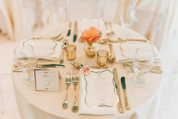 Glamorous Wedding Place Settings - Photo: Pablo Díaz