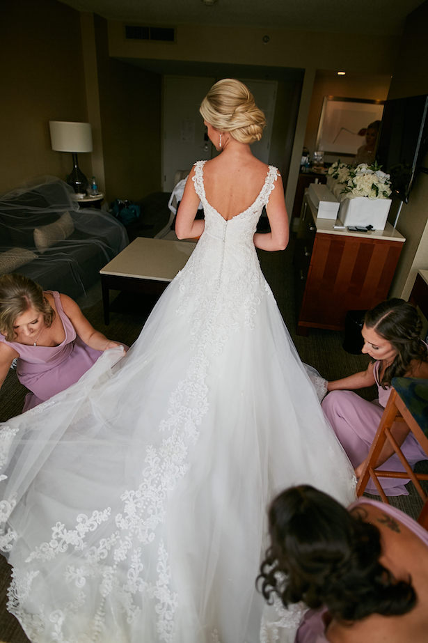 Bride getting ready photo - Wasio Photography