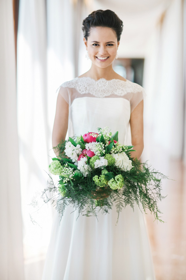 Greenery Wedding bouquet - Nora Photography