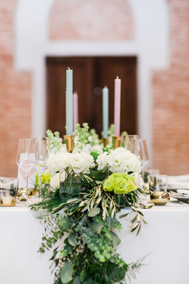 Greenery wedding table - Nora Photography