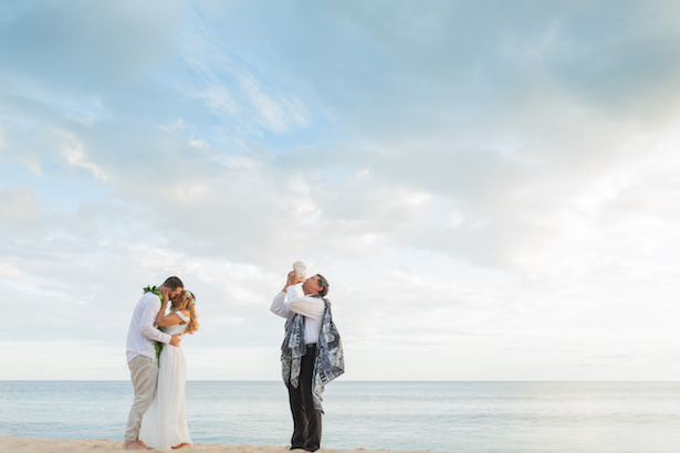 Oahu Hawaii destination wedding elopement ideas - Karma Hill Photography