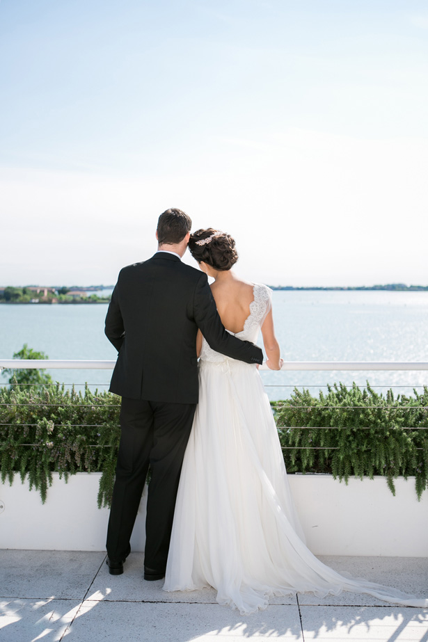 Romantic Modern Wedding Photo - Nora Photography