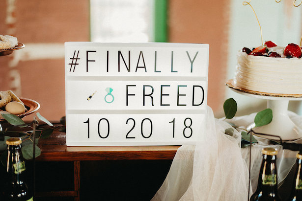 WEDDING HASHTAG SIGN Photography: Dewitt for Love LL