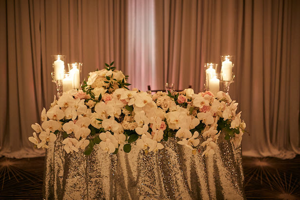 Wedding decor sweetheart table - Wasio Photography