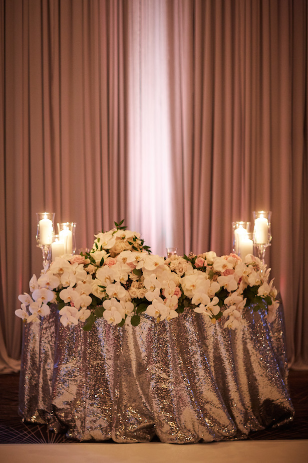 Wedding sweetheart table - Wasio Photography