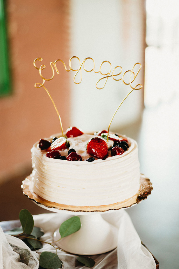 engagement cake - Photography: Dewitt for Love LL