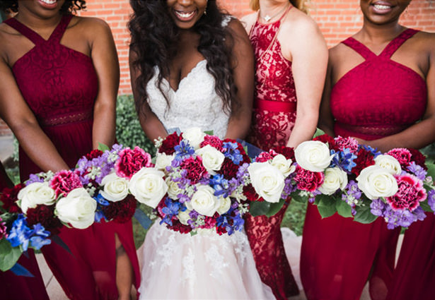 Navy and Burgundy bridesmaid bouquets​ - Photography: Sabel Moments