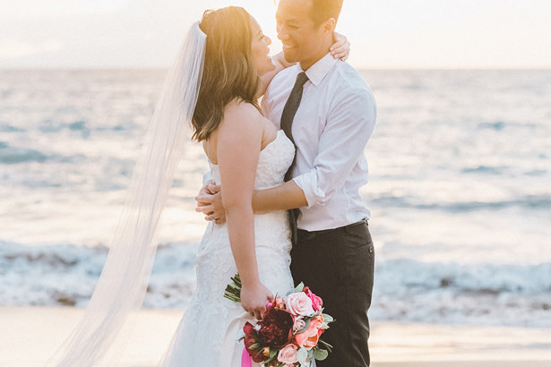 Romantic Tropical Wedding Photo. Stunning Maui Elopement - Angie Diaz Photography