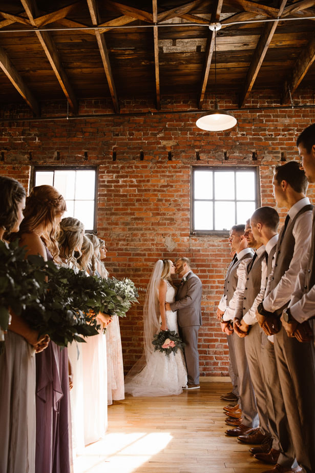 Romantic Wedding Party Photo - T&K PHOTOGRAPHY