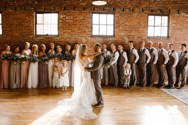 Rustic Wedding Party Photo - T&K PHOTOGRAPHY