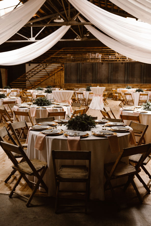 Rustic Wedding Reception Decor - T&K PHOTOGRAPHY