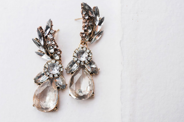 Wedding Earrings​ - Photography: Sabel Moments