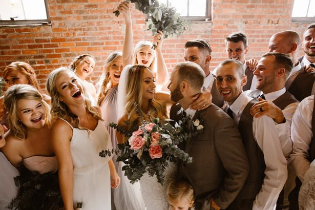 You will love this Earthy Urban Wedding Full of Smiles