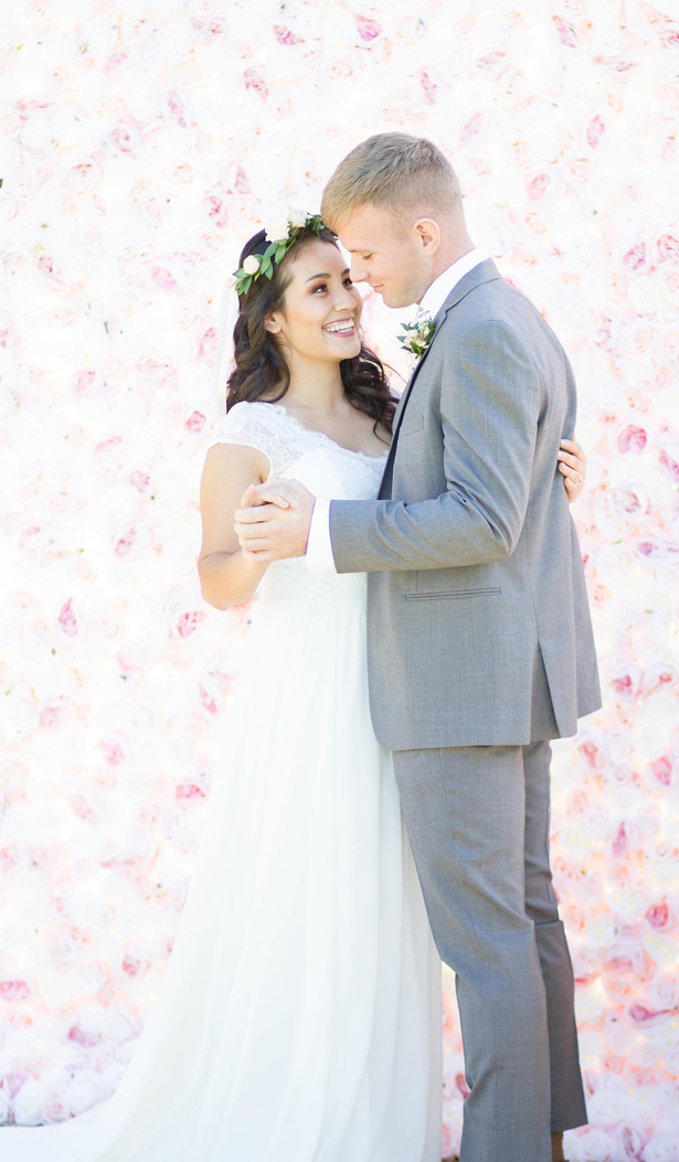 Blush Floral wedding wall - Janita Mestre Photography