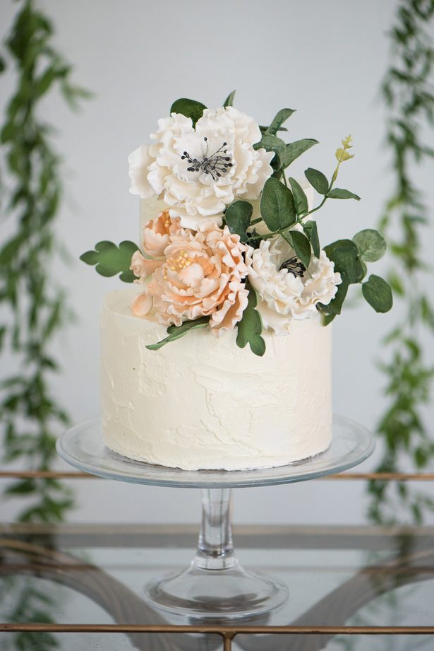 Classic Wedding Cake - Alicia Campbell Photography