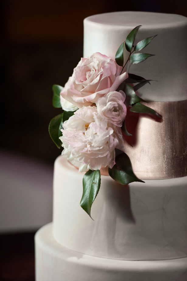 Modern Wedding Cake With Roses - Jean Smith Photography